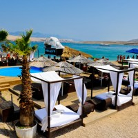 Apartments in Novalja island Pag (with air conditioning, wifi, tv / sat)