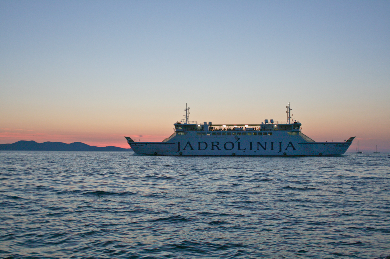 how to get from zagreb to zadar