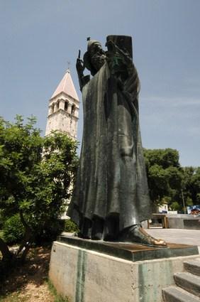 Sightseeing in Split - Gregory of Nin