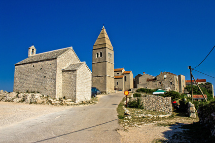 Cres - the town of Lubenice