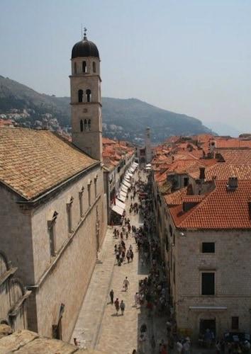 Sightseeing in Dubrovnik - Stradun