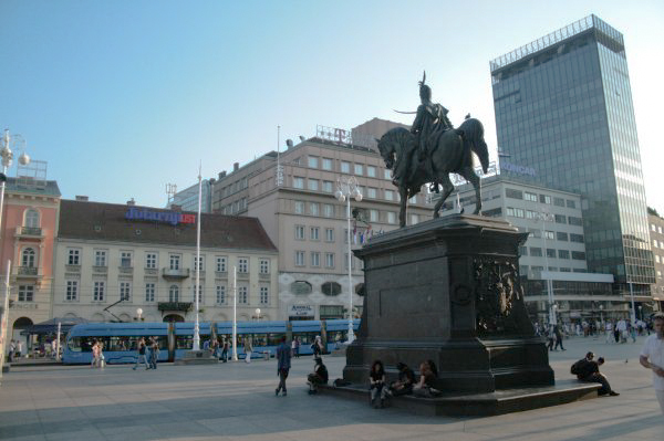 Photos of Zagreb - Trg ban Jelacic