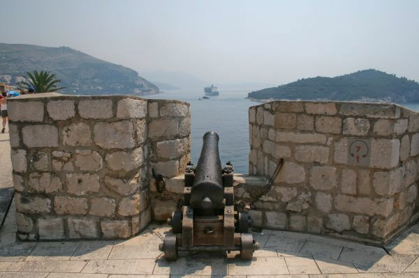 Dubrovnik Photos - Old Town Walls Cannon