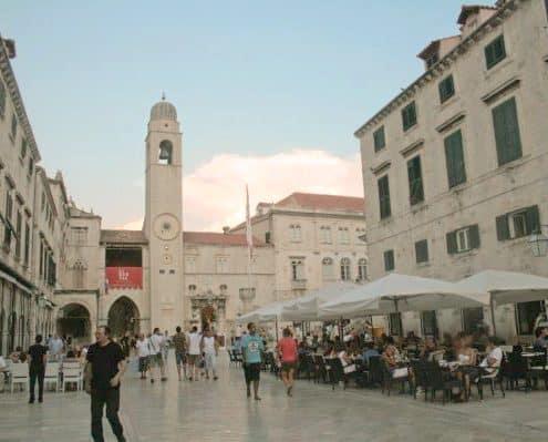 Tour Croatia Online - Stradun in summer