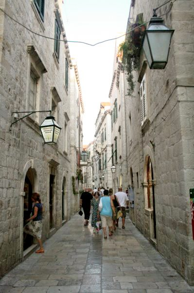 Dubrovnik Photos - Narrow streets