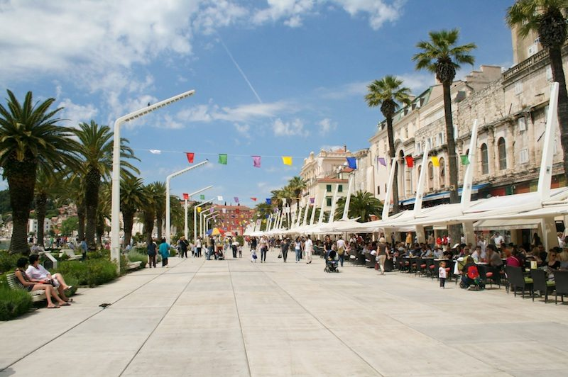 Eating and Drinking in Split - Cafes on the Riva