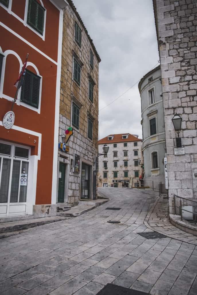Photos of Makarska - Town square