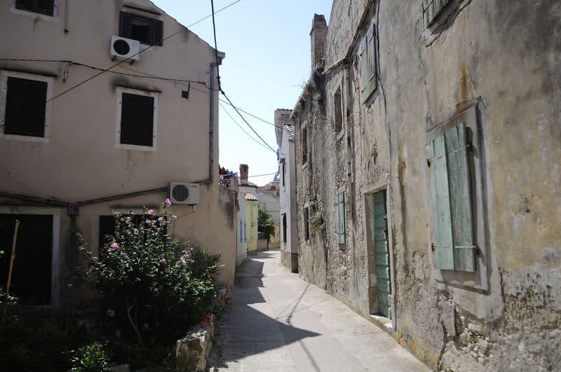Susak street
