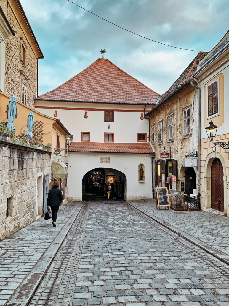 Zagreb Photos - Kamenita vrata