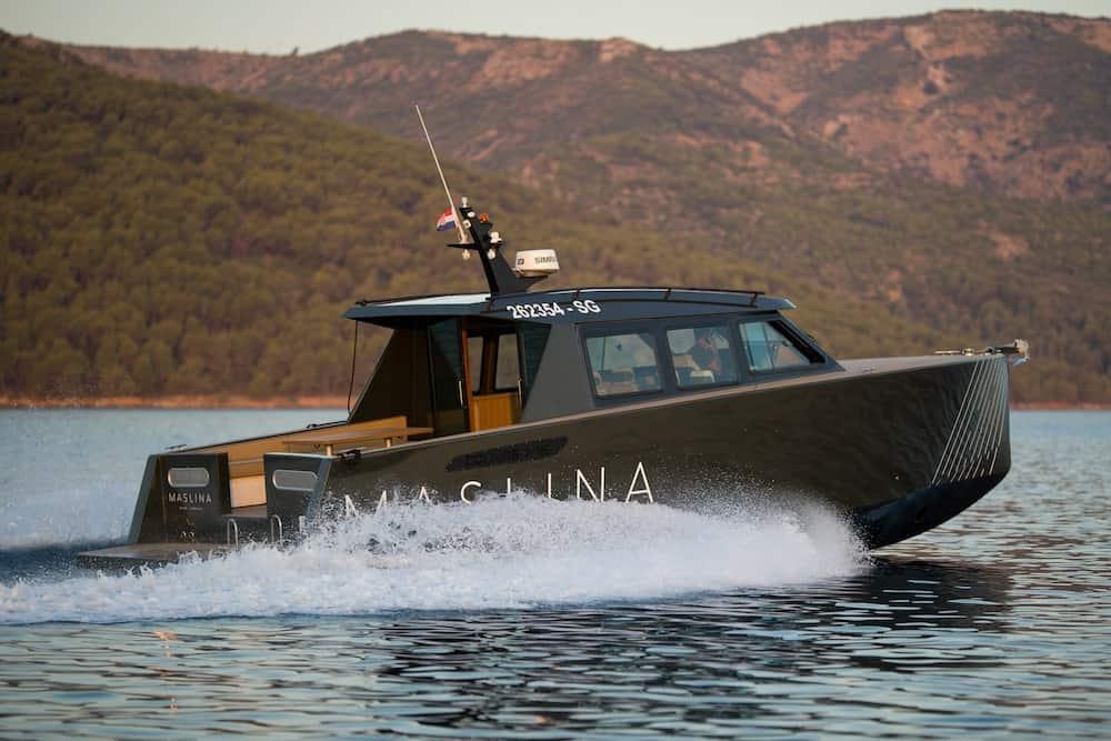 Maslina Resort Colnago Boat