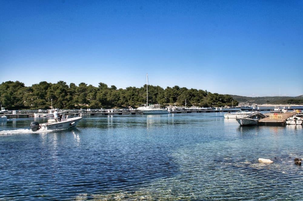 Pakleni Islands - Palmizana marina