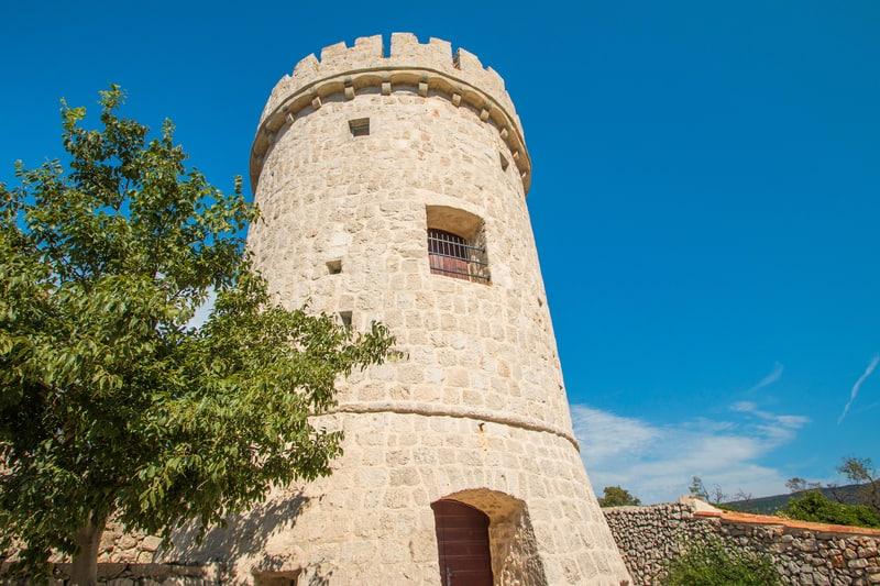Venetian Tower Cres
